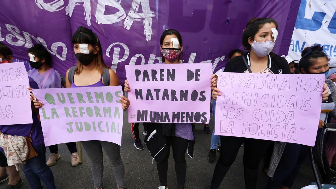 Brutal feminicidio en Argentina: un policía asesina a su pareja delante de su hija y luego se suicida