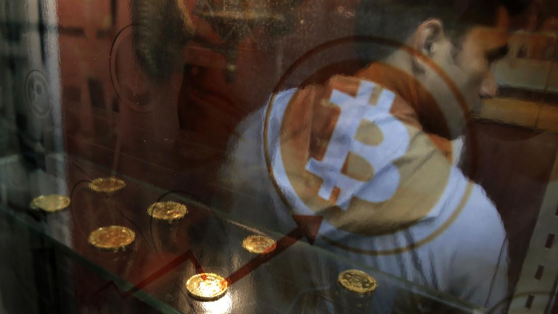 """Analista de Wall Street vaticina que las criptomonedas tendrán su """"momento Amazon"""" con el debut de Coinbase en la bolsa"""