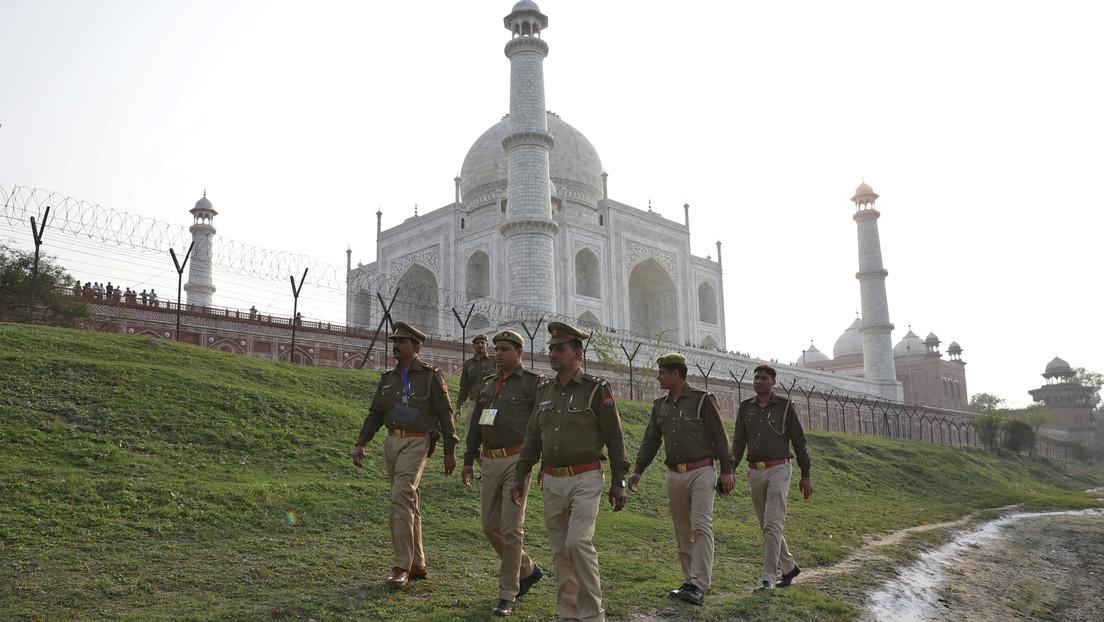 La Policía india evacua el Taj Mahal tras recibir una llamada sobre una amenaza de bomba