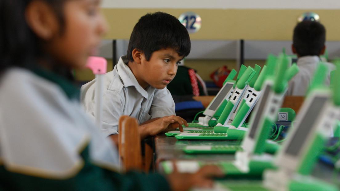 La controversial propuesta legislativa de prohibición del uso de las redes sociales por menores de edad en Perú que es señalada de plagio