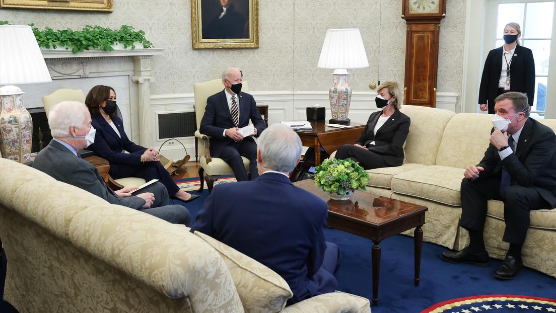 Senadores de EE.UU. presentan un proyecto de ley para limitar el poder presidencial de autorizar operaciones militares