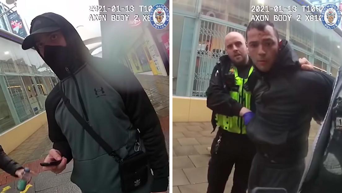VIDEO: Un reo fugitivo ataca a dos policías tras salir de su escondite en medio del confinamiento para comprar 'Call of Duty'