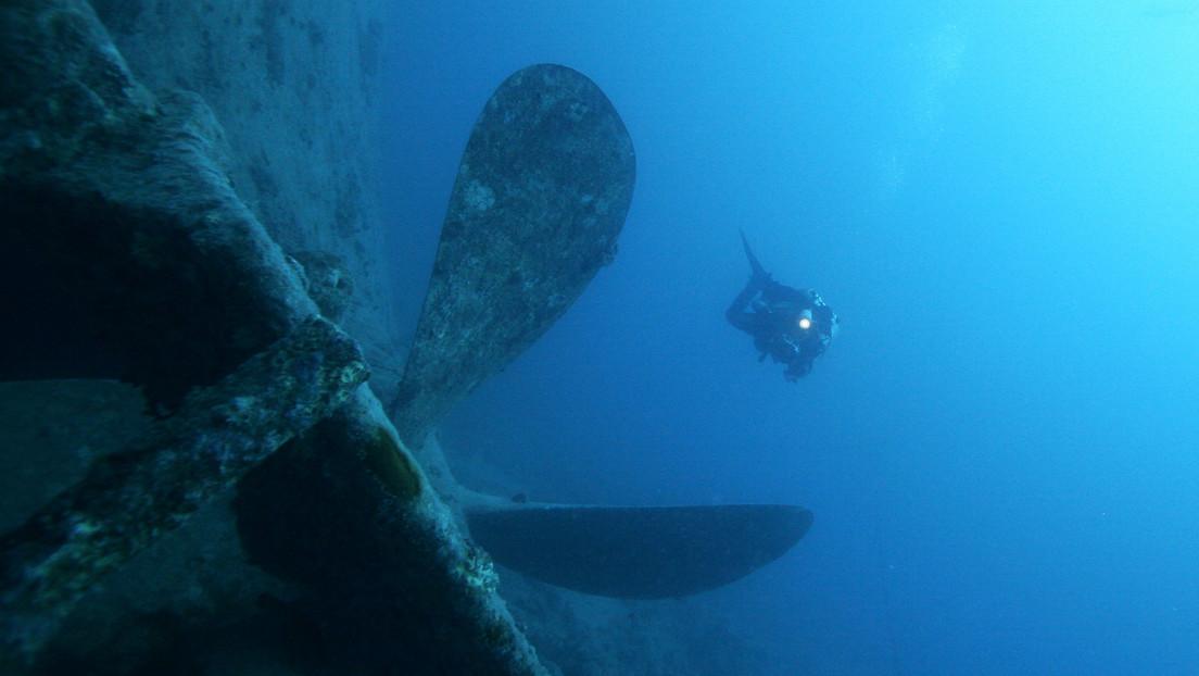 VIDEO: Un buceador explora los restos de un bombardero de EE.UU. hundido en el Adriático durante la Segunda Guerra Mundial