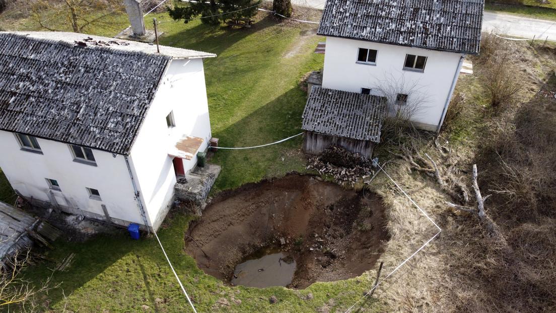 Decenas de enormes cráteres cubren Croacia tras el potente terremoto de diciembre (FOTOS)