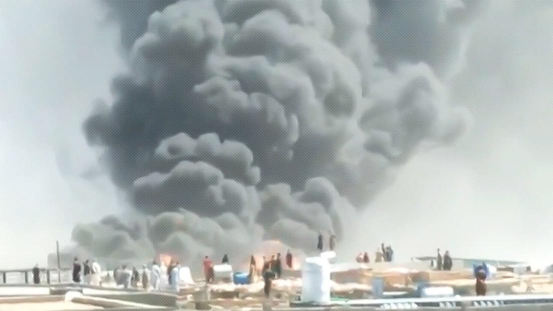 VIDEO: Se desata un gran incendio en unas oficinas aduaneras en la frontera entre Irán y Afganistán
