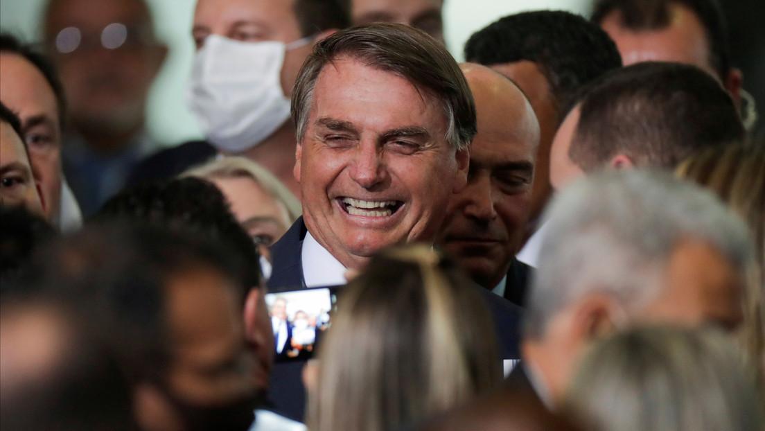 """Bolsonaro afirma que hay una """"vacuna brasileña en desarrollo"""""""