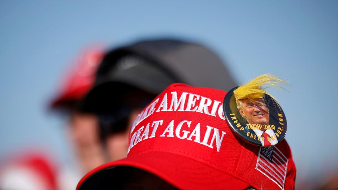 El empresario que supo explotar la imagen de Trump y su lema de campaña, también financia su partido político