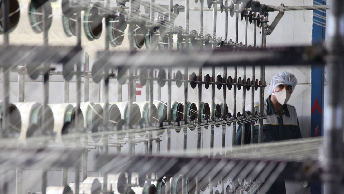 El OIEA anuncia que Irán comenzó a enriquecer uranio con centrifugadoras IR-2m avanzadas en su planta en Natanz