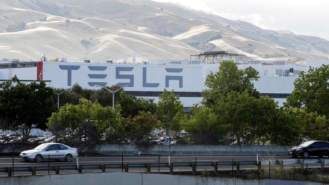VIDEO: Se produce un incendio en una fábrica de Tesla en California