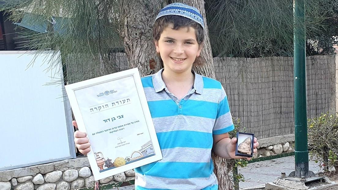 Un niño de 11 años encuentra una inusual estatuilla de 2.500 años durante un paseo familiar en Israel