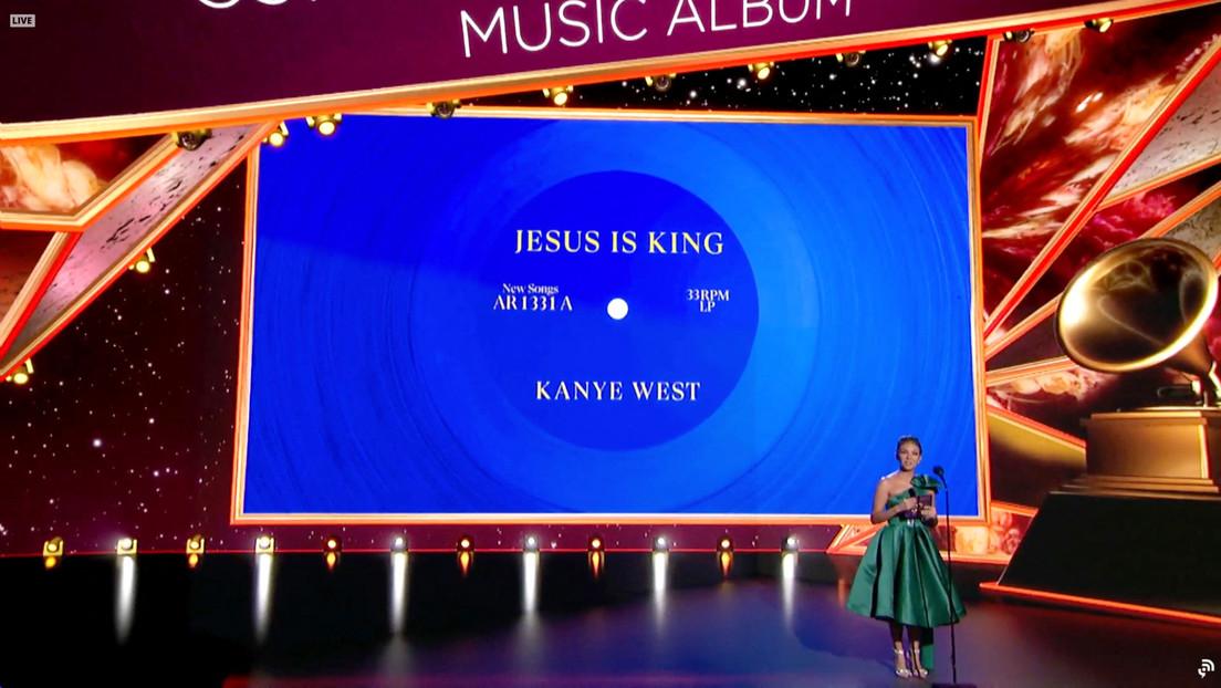 Kanye West recibe otro premio Grammy meses después de que orinara sobre una de las estatuillas