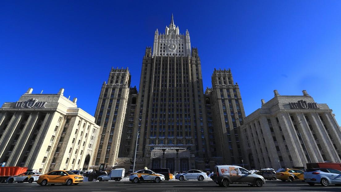 """Rusia: La decisión de Londres de aumentar su potencial nuclear es """"un duro golpe al concepto de control de armas"""""""