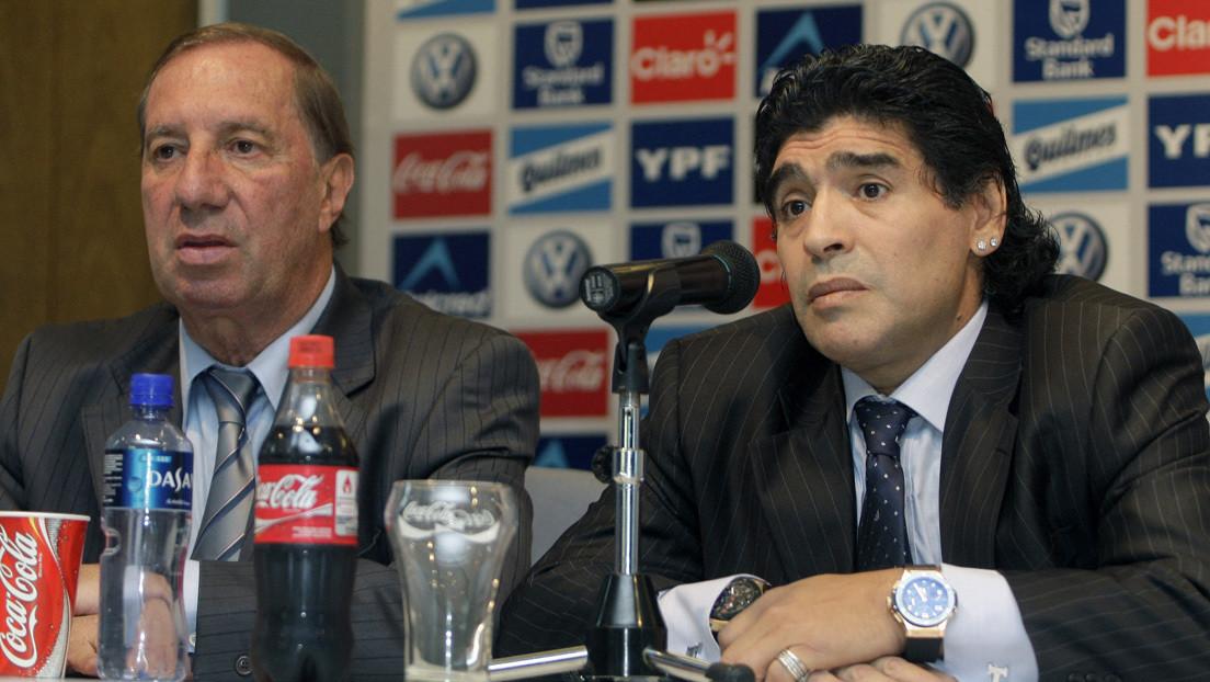 """""""Veo muchas banderas de Diego, ¿qué pasa?"""": Por qué el mítico director técnico argentino Carlos Bilardo aún no sabe que murió Maradona"""
