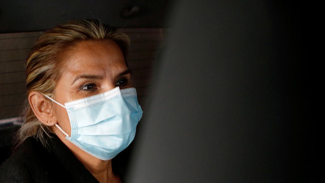 """Jeanine Áñez pide que la trasladen de la cárcel a un hospital de La Paz por una """"descompensación"""""""