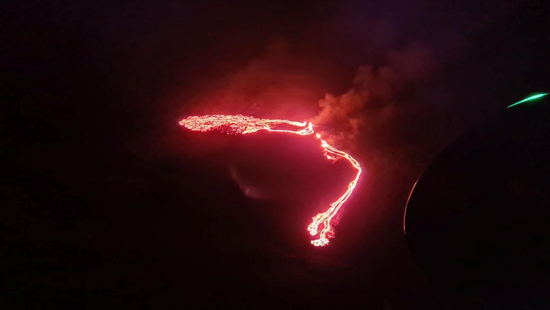 Entra en erupción un volcán cercano a la capital de Islandia tras miles de temblores registrados (VIDEO, FOTOS)