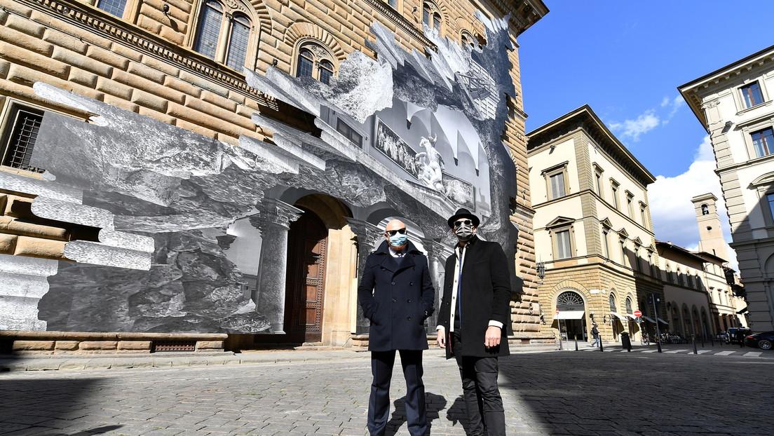'La herida': Un artista callejero 'reabre' un museo de Florencia con una espectacular ilusión óptica