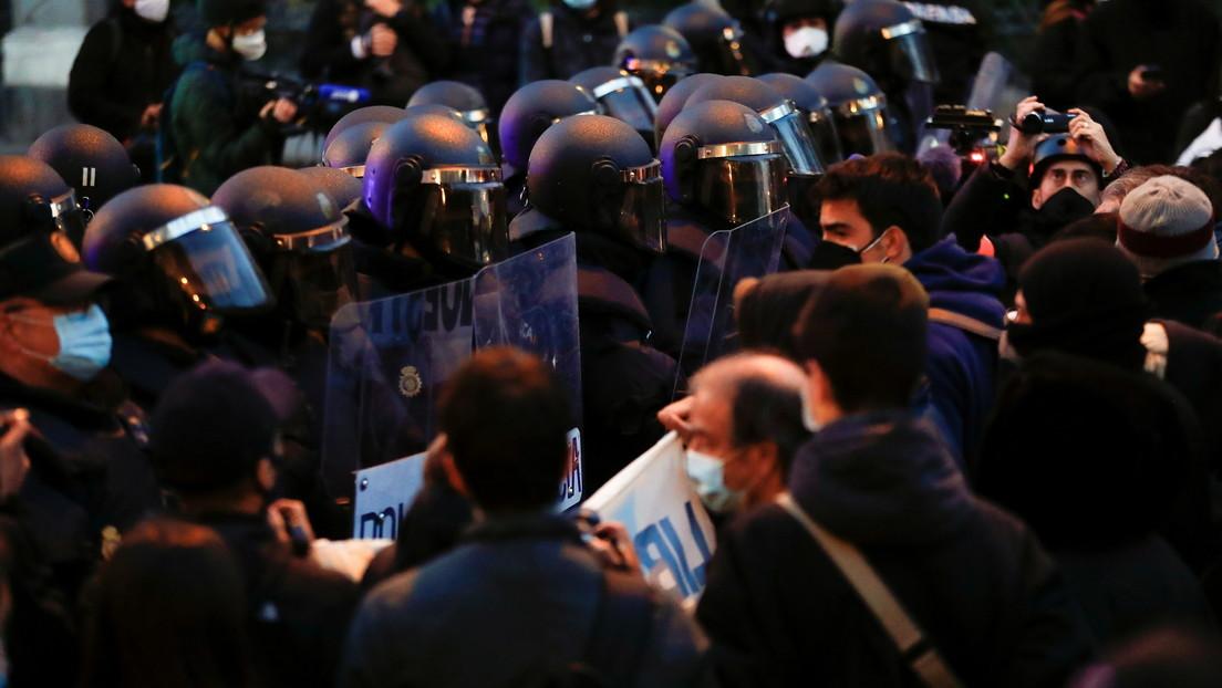 Nuevas protestas en apoyo a Pablo Hasél, el rapero encarcelado por insultar a la monarquía española