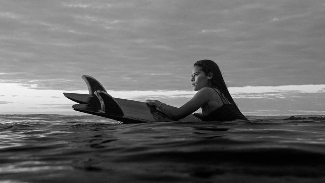 Una prometedora surfista salvadoreña muere a los 22 años tras ser alcanzada por un rayo