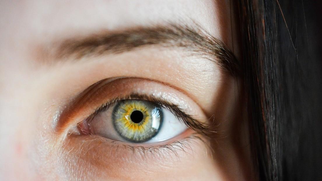 """Un """"raro e inusual"""" padecimiento médico hace que una joven sangre por los ojos durante su periodo menstrual"""