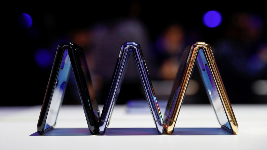 Reportan que Samsung prepara un teléfono móvil con pantalla de doble pliegue