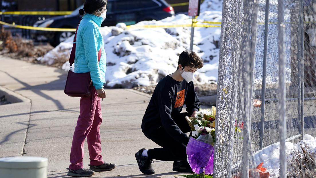 """Biden llama a prohibir """"armas de asalto y cargadores de alta capacidad"""" en EE.UU. tras el ataque de Boulder"""
