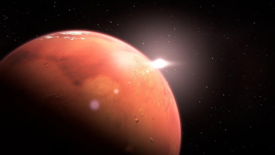 Descubren qué determina el ritmo de la pérdida de agua en Marte