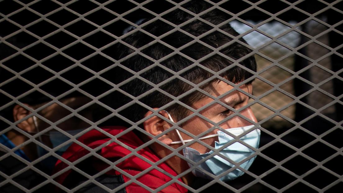El Gobierno de Biden pide al Pentágono albergar a niños migrantes en bases militares, una medida que fue considerada por Trump y recibió críticas