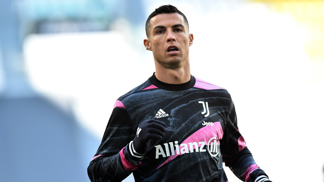 Cristiano Ronaldo se convierte en el primer futbolista del mundo en recibir un galardón en tokens virtuales