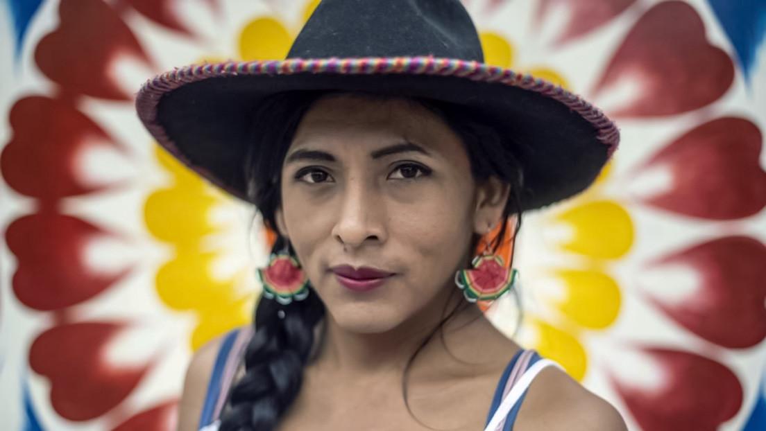 """""""Lo único que cuestionan son mis genitales"""": Gahela, la primera mujer trans e indígena que busca llegar al Congreso peruano"""