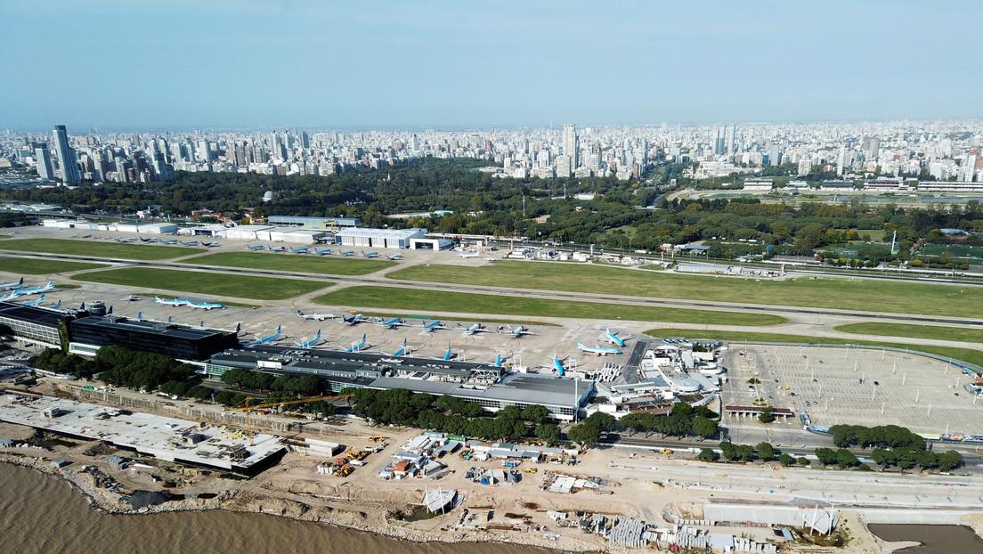 Argentina suspende los vuelos provenientes de Brasil, México y Chile para protegerse de nuevas variantes de covid-19