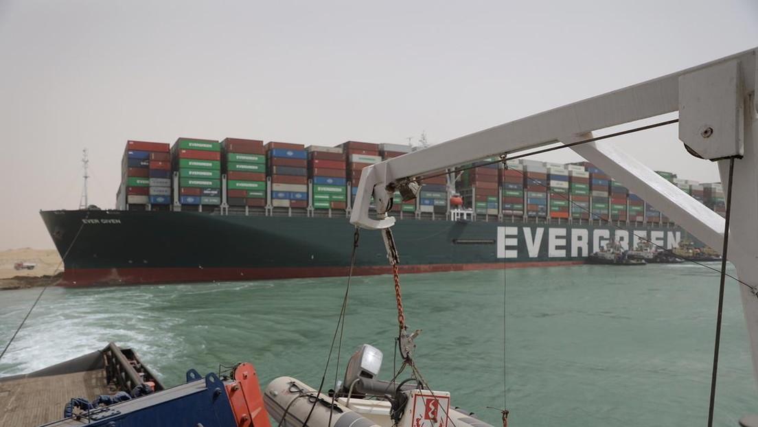 Panamá inicia una investigación sobre el encallamiento del buque Ever Given en el canal de Suez
