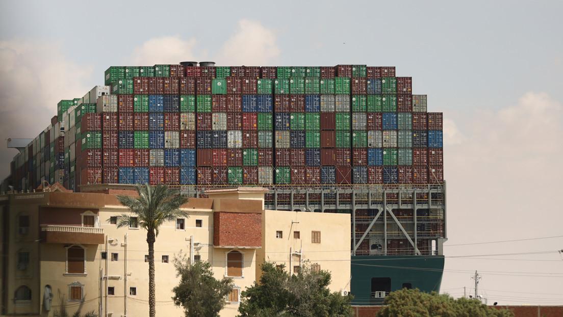 Un modo fácil para saber si el carguero en el canal de Suez sigue atrapado o ya fue liberado