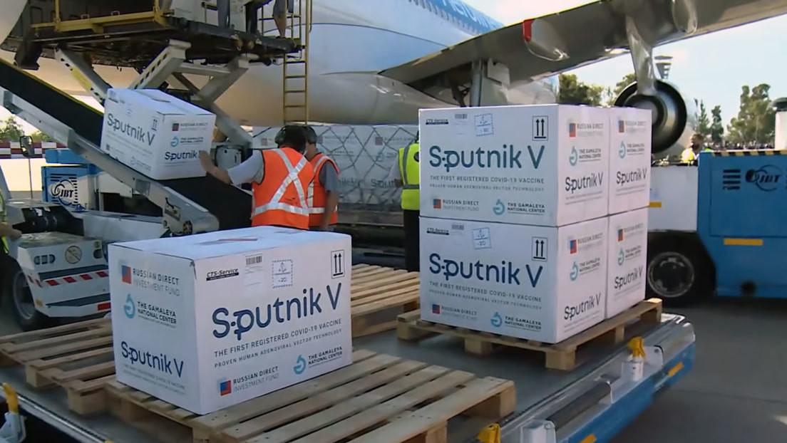 Llega a Argentina el décimo vuelo con otras 300.000 vacunas Sputnik V contra el covid-19