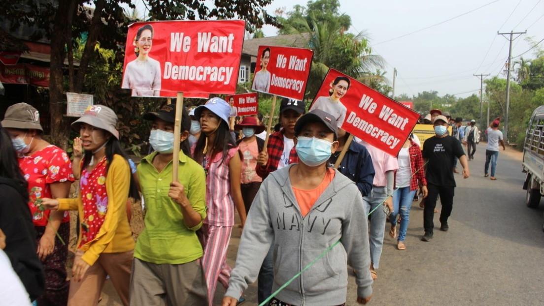 EE.UU. ordena la salida de sus empleados públicos no esenciales de Myanmar tras los fuertes disturbios