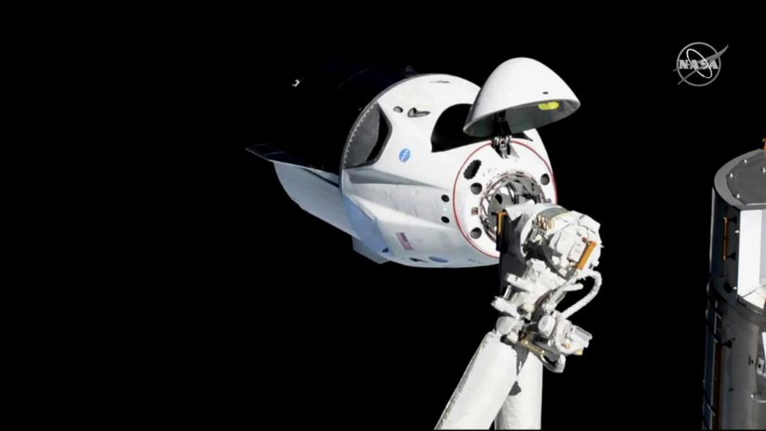 SpaceX revela un nuevo diseño de su nave espacial Dragon que permitirá a los astronautas asomar la cabeza hacia el espacio