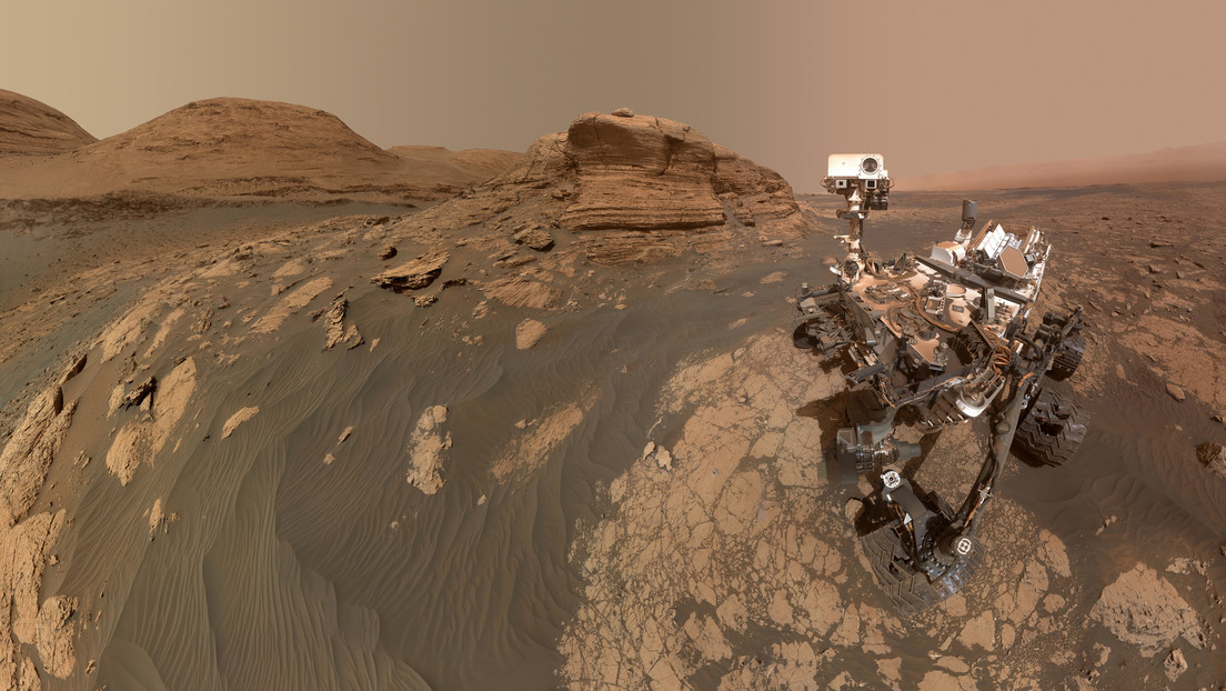 NASA Curiosity Driver Takes Selfie Next to Majestic Rock Formation on Mars