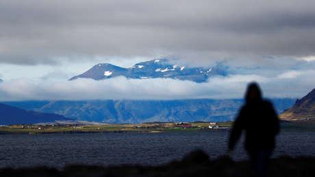 Científicos advierten sobre una posible erupción volcánica cerca de la capital de Islandia
