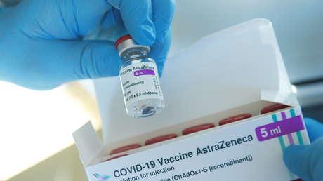 """La EMA recomienda que las """"reacciones alérgicas graves"""" sean incluidas como posibles efectos secundarios de la vacuna de AstraZeneca"""