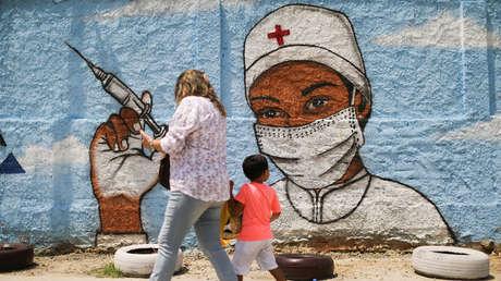 Un 79 % de los brasileños piensa que la pandemia está fuera de control