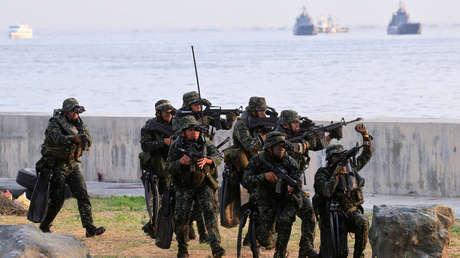 """Filipinas acusa a Pekín de """"militarizar"""" el mar de la China Meridional con la presencia """"provocadora"""" de 220 buques de guerra"""