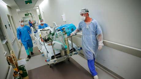 """La OPS alerta sobre el """"terrible"""" aumento de casos de covid-19 en Brasil y advierte también a otros países vecinos"""