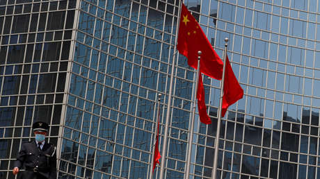 """China sanciona a 9 personas y 4 entidades en el Reino Unido que divulgaron """"mentiras e información falsa"""" sobre abusos de derechos humanos en Xinjiang"""