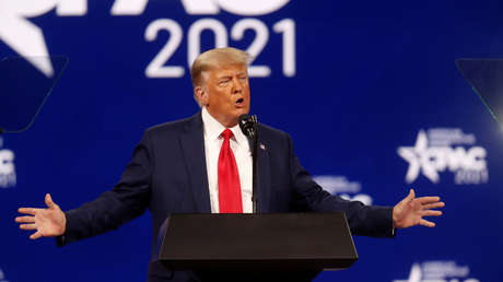 """Trump tacha de """"indignante"""" la política migratoria de Biden y llama a terminar el muro fronterizo en medio de la crisis humanitaria en EE.UU."""