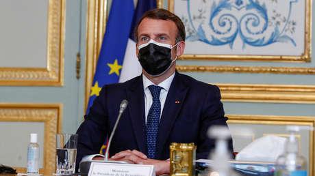 """Macron habla sobre """"una guerra mundial de nuevo tipo"""" con las vacunas anticovid de Rusia y China y ambos países le responden"""