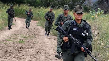 Venezuela informa que su Ejército abatió a 6 presuntos guerrilleros colombianos en su territorio