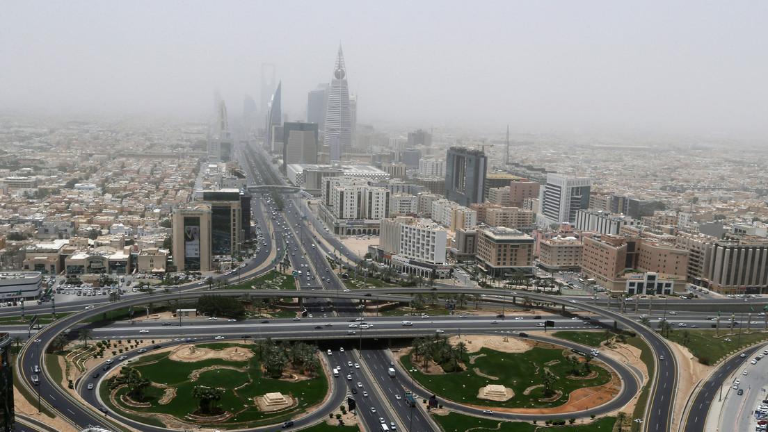 """Los hutíes afirman haber atacado con drones """"objetivos importantes"""" de la capital de Arabia Saudita"""