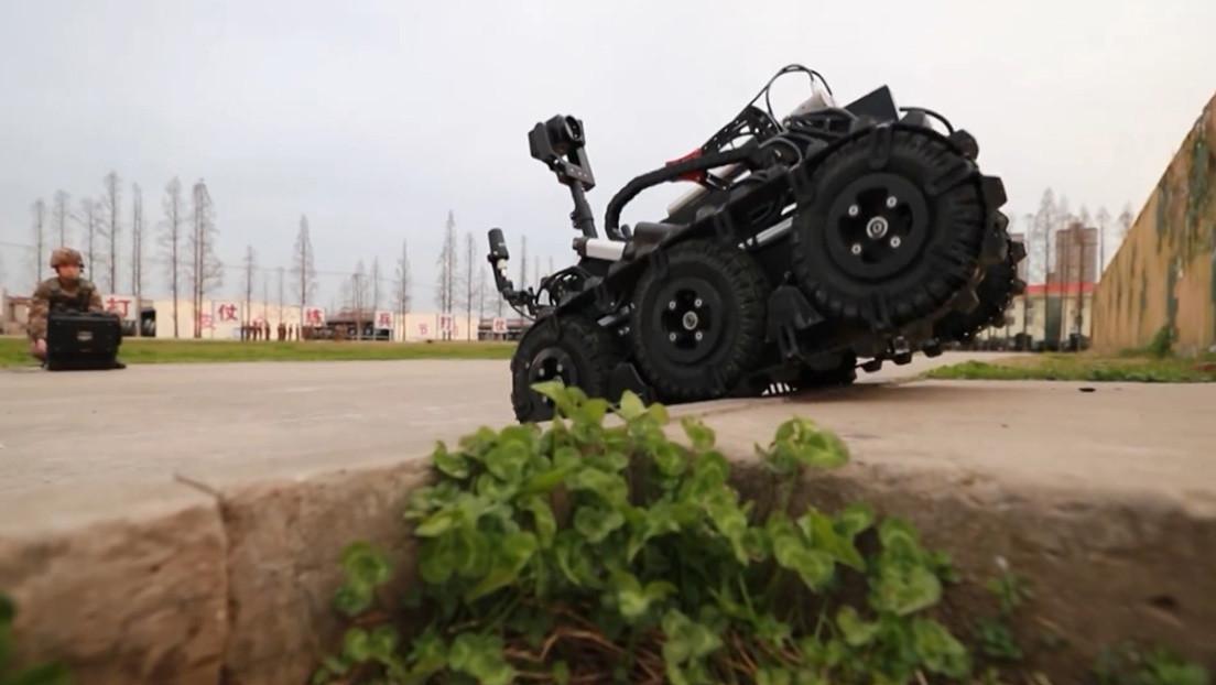 El Ejército chino muestra su nuevo robot desminador de nuevo tipo