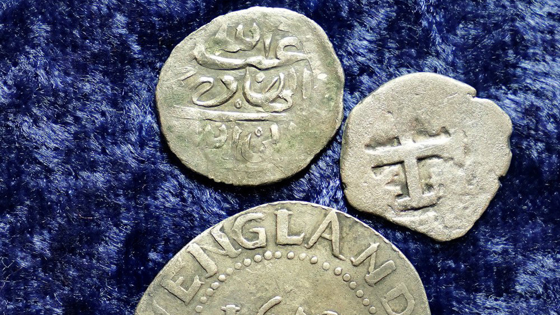 Antiguas monedas árabes encontradas en una granja de Estados Unidos ayudan a resolver el misterio de un pirata asesino del siglo XVII