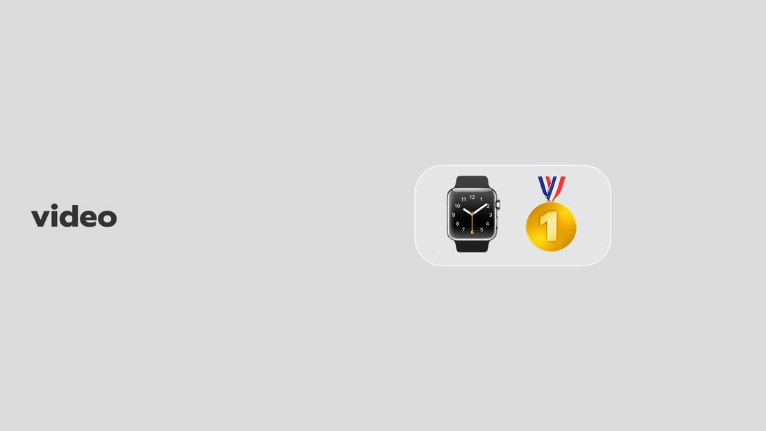 Una joyería subasta un collar de oro con 'activos NFT' en un Apple Watch y se lleva una desagradable respuesta (VIDEO)
