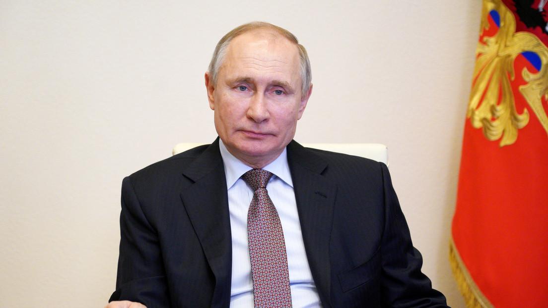 Putin firma una ley que le permite volver a postularse a la Presidencia